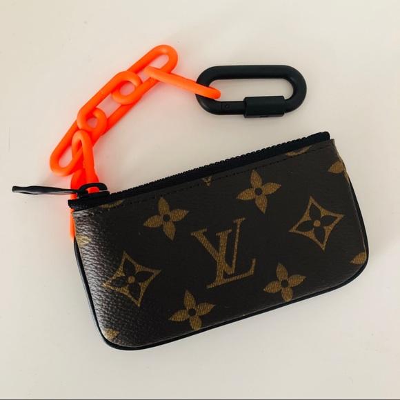c2f50a647 Louis Vuitton SS19 chain wallet NWT